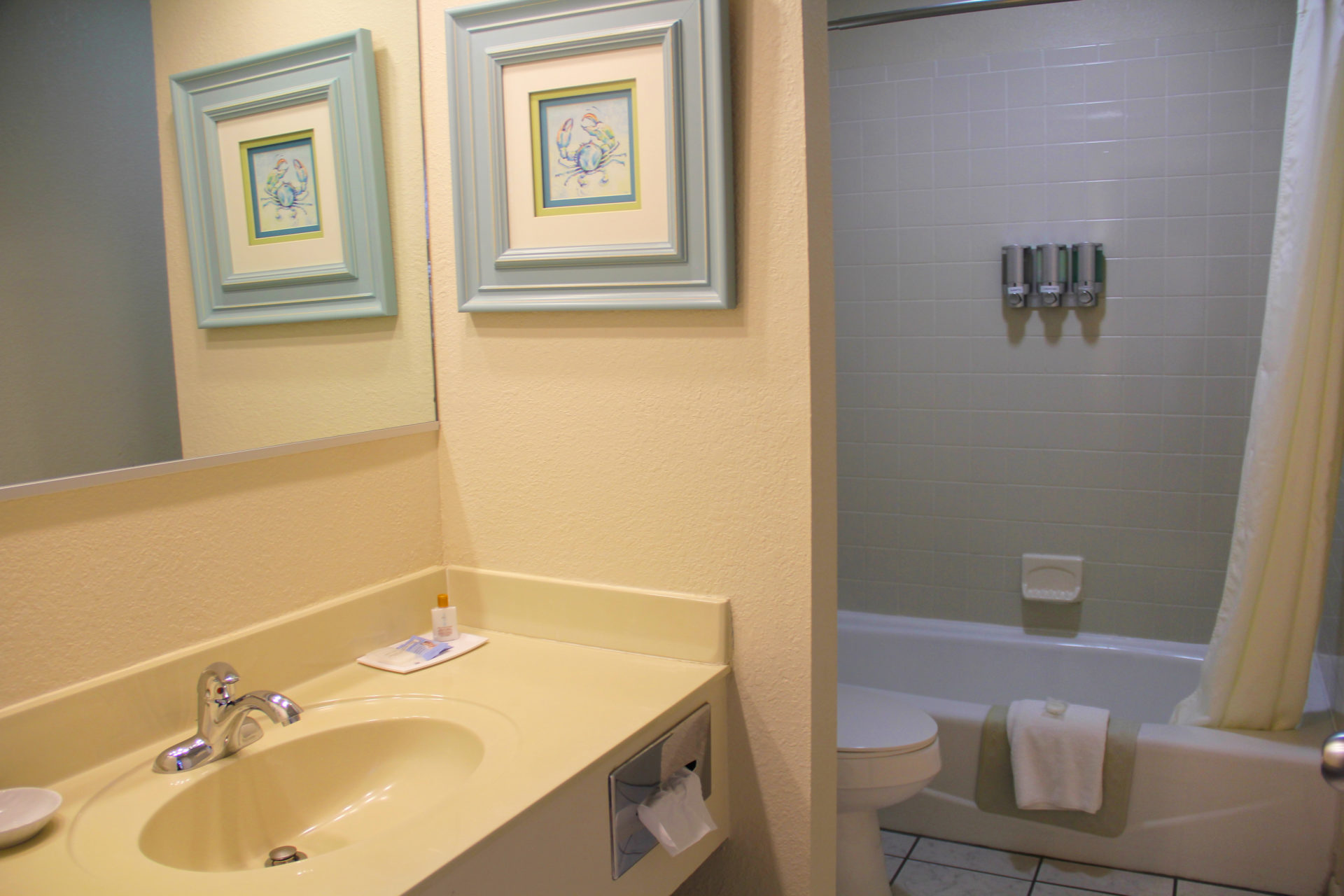 SurfSide Hotel OBX Ocean View Efficiency br1