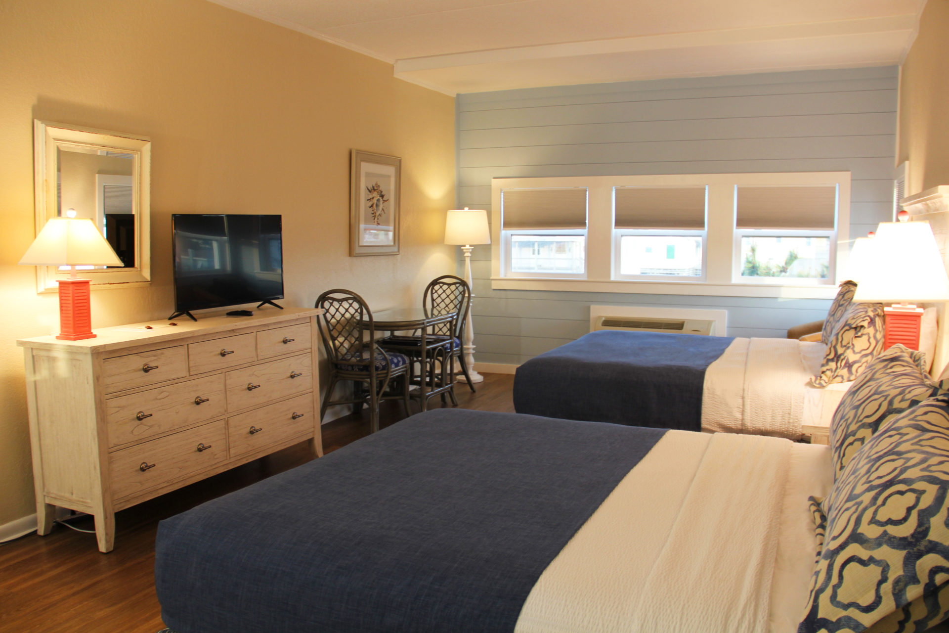 SurfSide Hotel OBX Ocean View Efficiency1